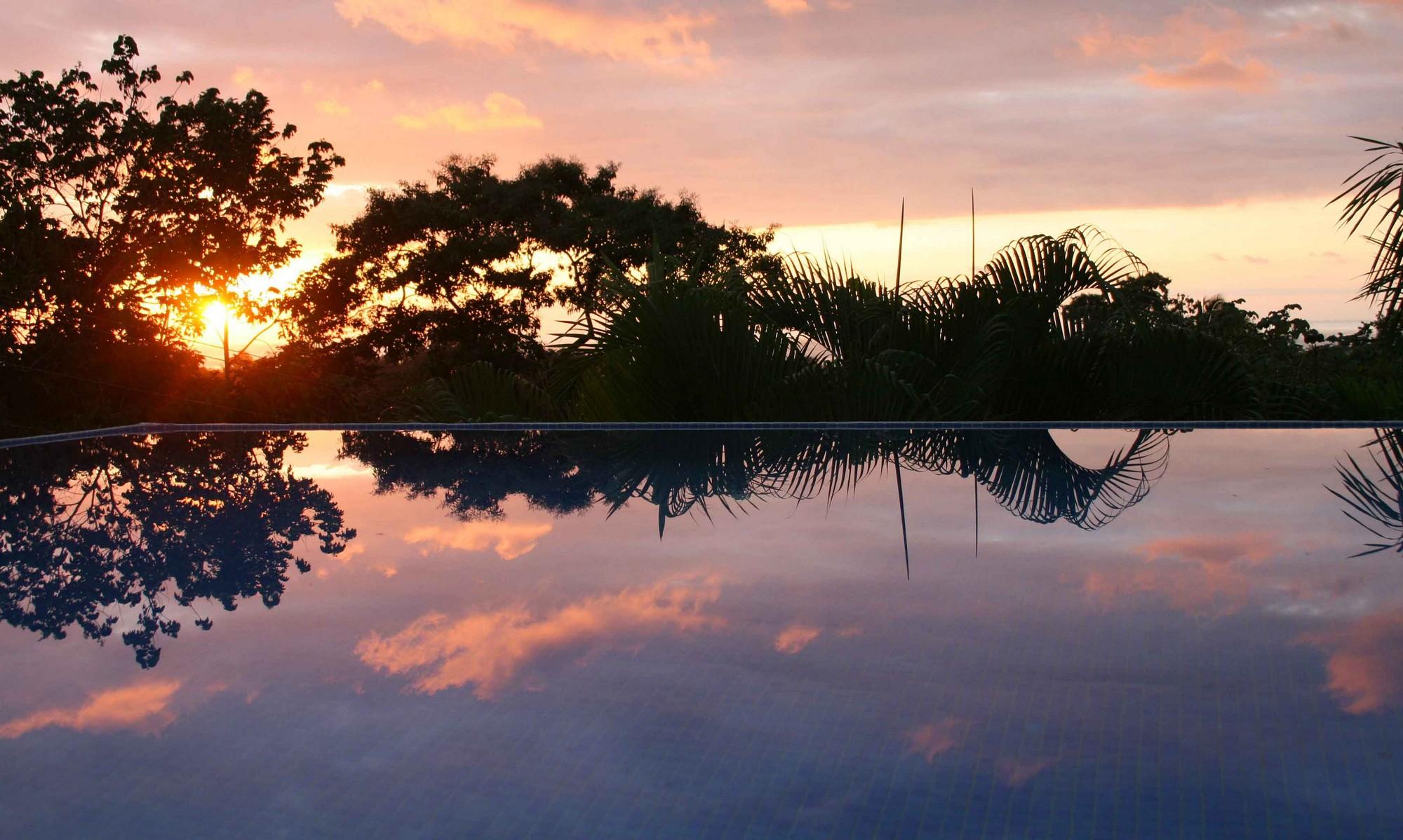 Casa de las Cascadas, Manuel Antonio, Costa Rica Pool & sunset.