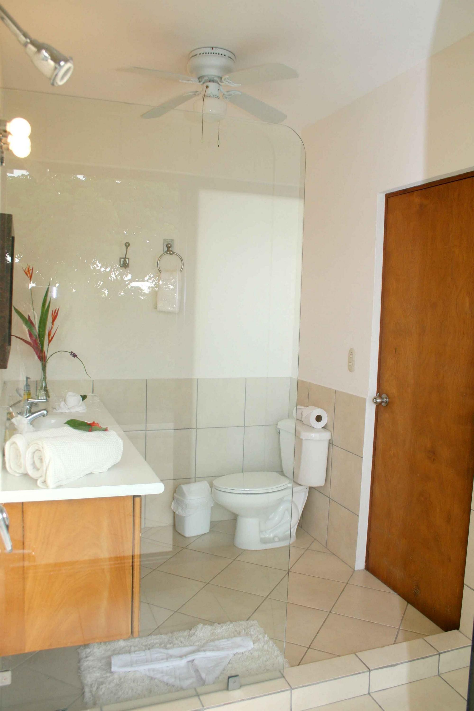 Casa de las Cascadas, Manuel Antonio, Costa Rica Each bedroom has its own ensuite bath.