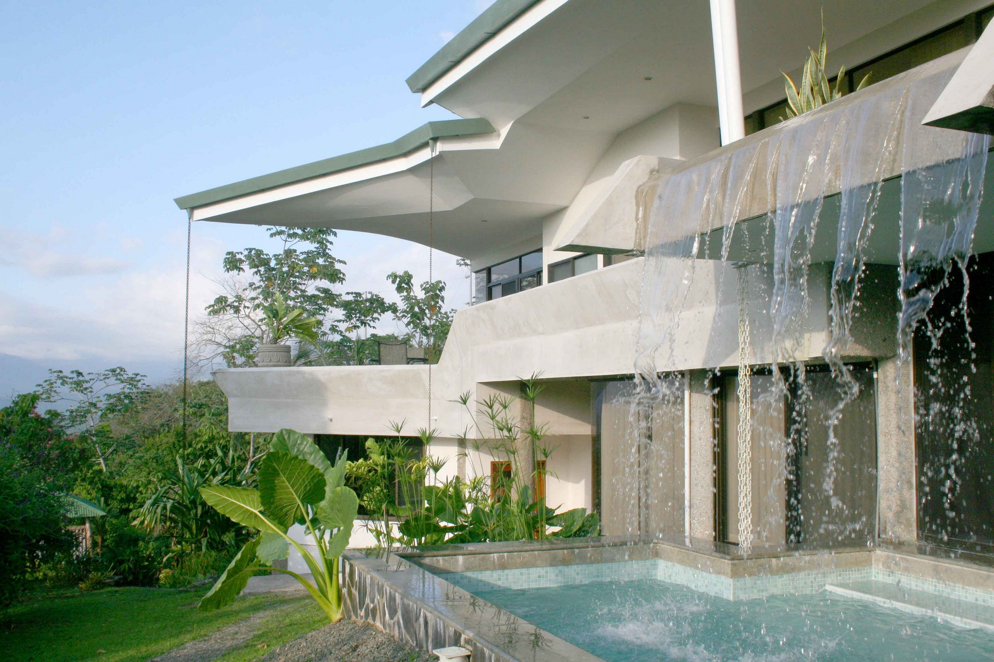 Casa de las Cascadas, Manuel Antonio, Costa Rica The waterfall feeds into the lower splash pool.