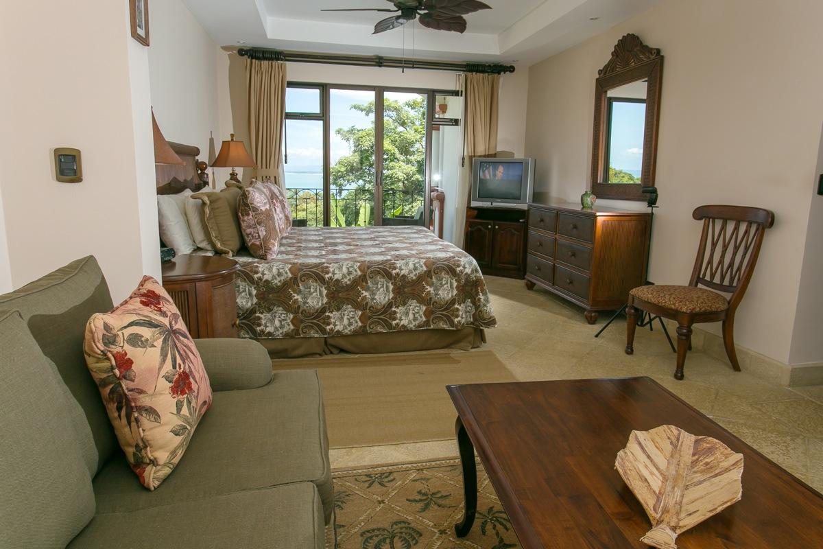 Shana Residences #310, Manuel Antonio, Costa Rica Spacious master.
