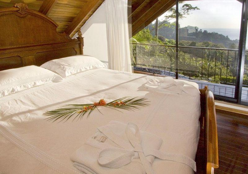 Villa Maravilla, Manuel Antonio Costa Rica The master bedroom has the best views in the villa.