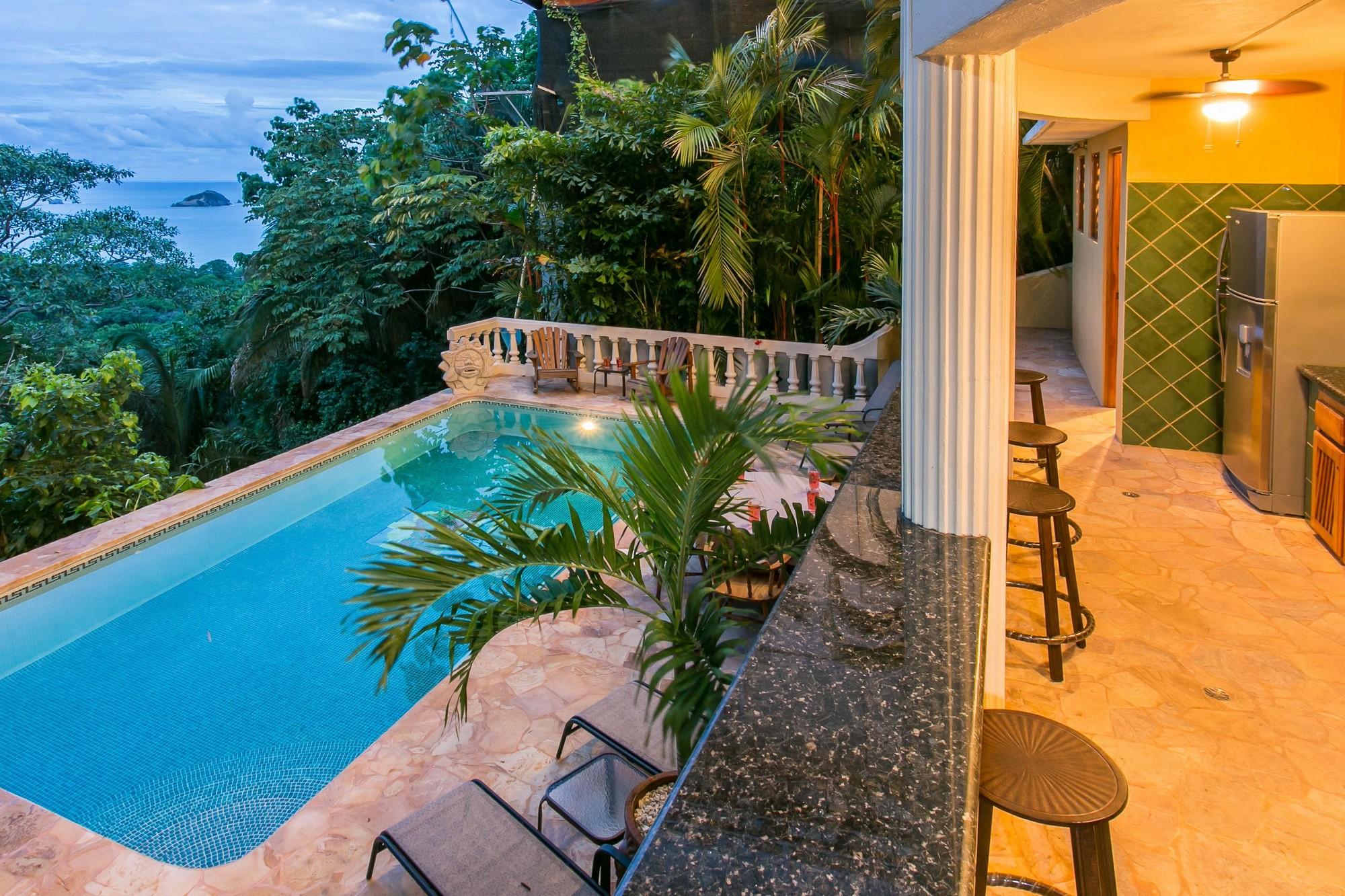 Kastytis Kourt, Manuel Antonio, Costa Rica Plenty of living space!