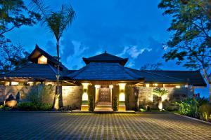 Villa rentals in Costa Rica - Los Elementos: Villa de Agua